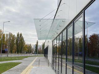 Купить стеклянные козырьки в Минске
