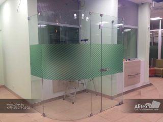 Купить стеклянные перегородки для дома в Минске